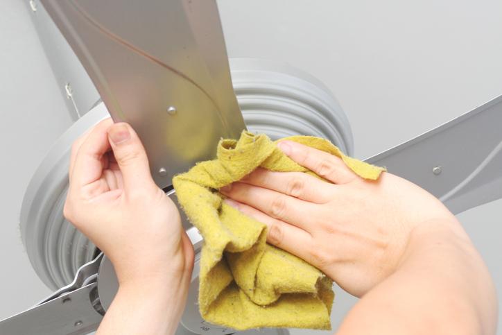 Cleaning a ceiling fan