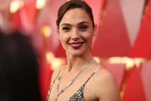 'Wonder Woman' Star Gal Gadot Says Her Favorite Car Is Like 'Driving an iPhone'