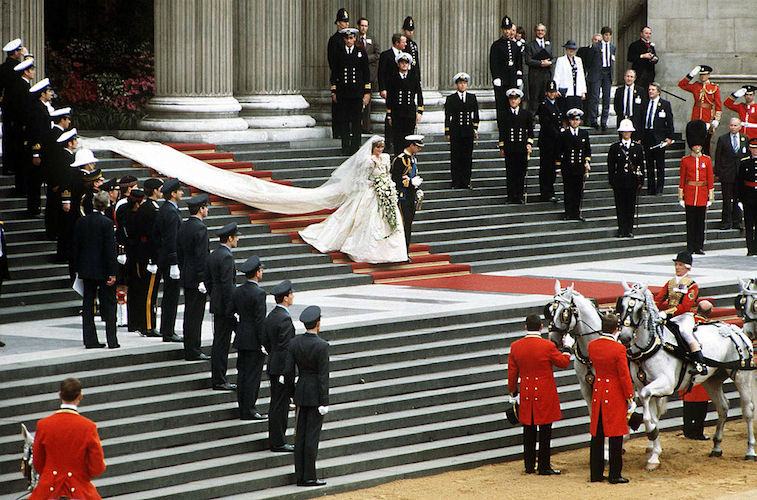 Royals: How The Queen Is Preparing To Give Up The Throne
