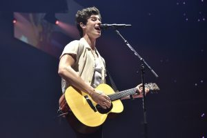 How Old is Shawn Mendes and Did He Go to College?