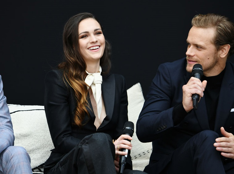 Sophie Skelton and Sam Heughan