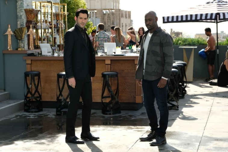 Tom Ellis as Lucifer and DB Woodside as Amenadiel in 'Lucifer'