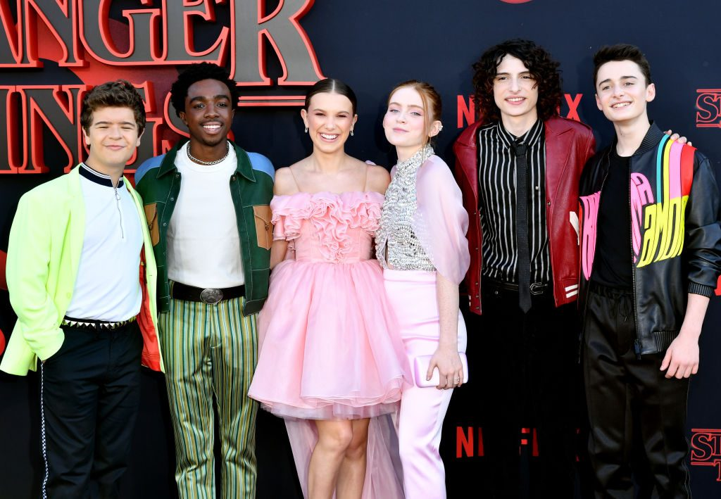 Cast of Stranger Things season 3 what fans hate