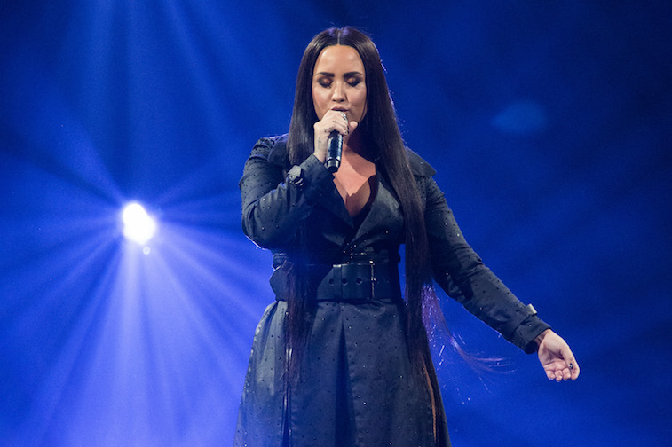 Demi Lovato show support for Taylor Swift