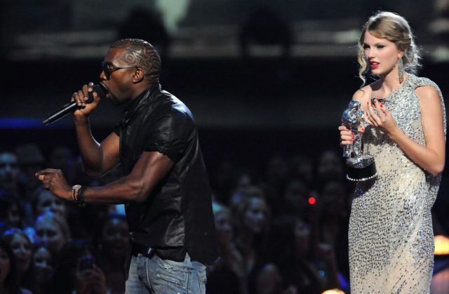 Kanye West Taylor Swift 2009 VMAs