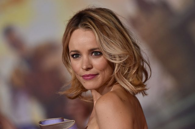 Rachel McAdams revealed the romantic boat scene in 'The Notebook' with all the swans wasn't fun at all to film.