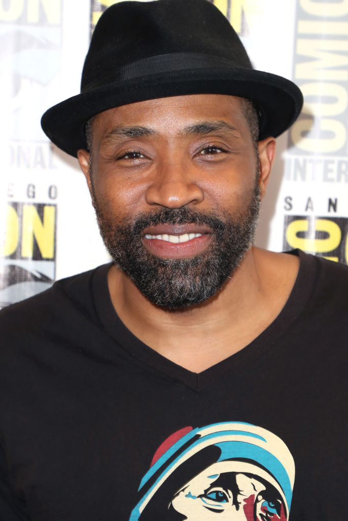 Cress Williams promoting Black Lightning at Comic Con