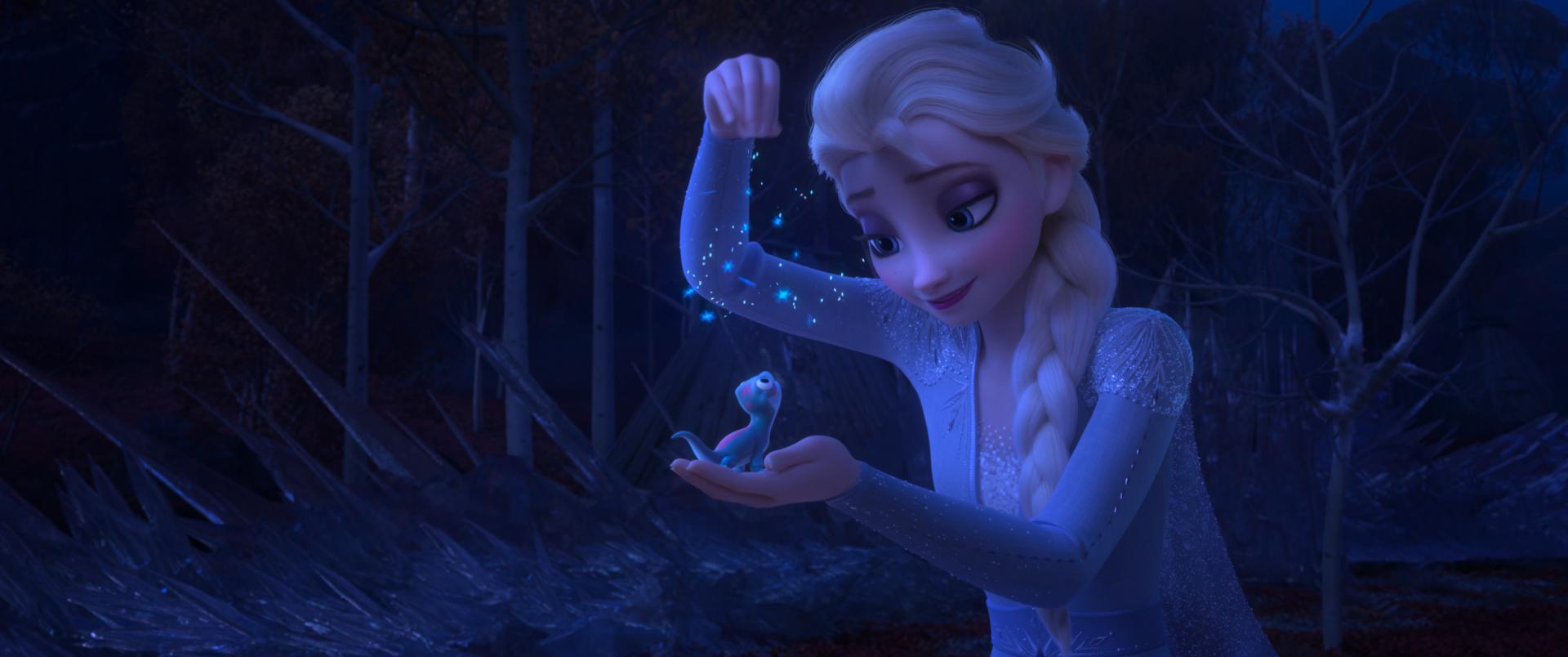 Elsa and Bruni in Frozen 2