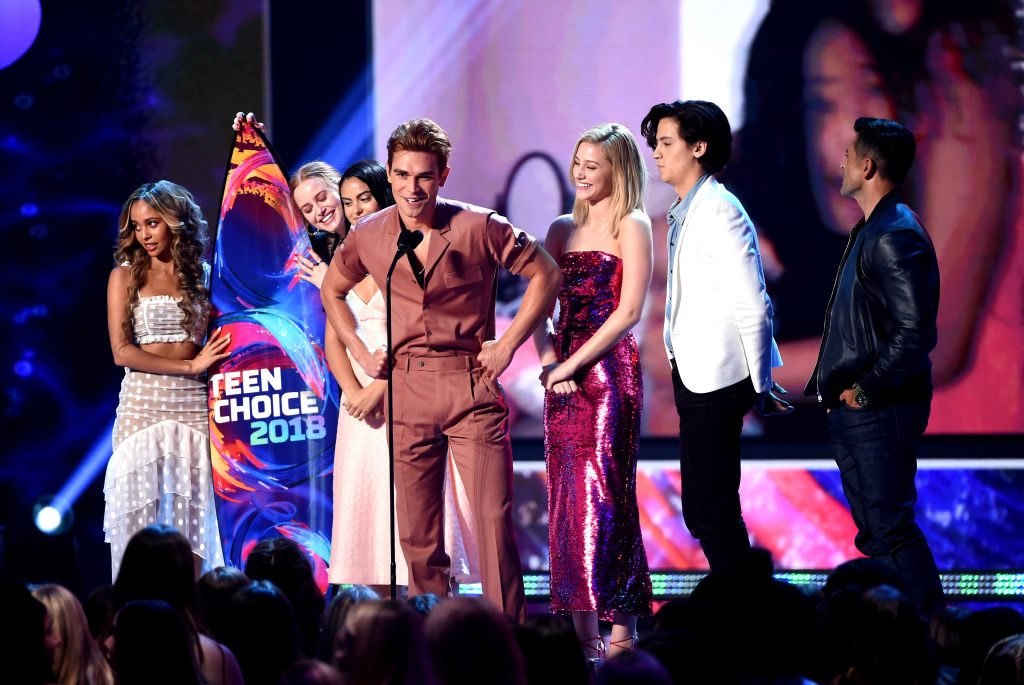 Vanessa Morgan, Madelaine Petsch, Camila Mendes, KJ Apa, Lili Reinhart, Cole Sprouse and Mark Consuelos of 'Riverdale'