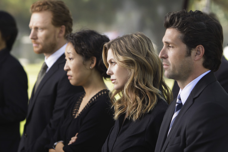 The doctors of Grey's Anatomy attend a funeral.
