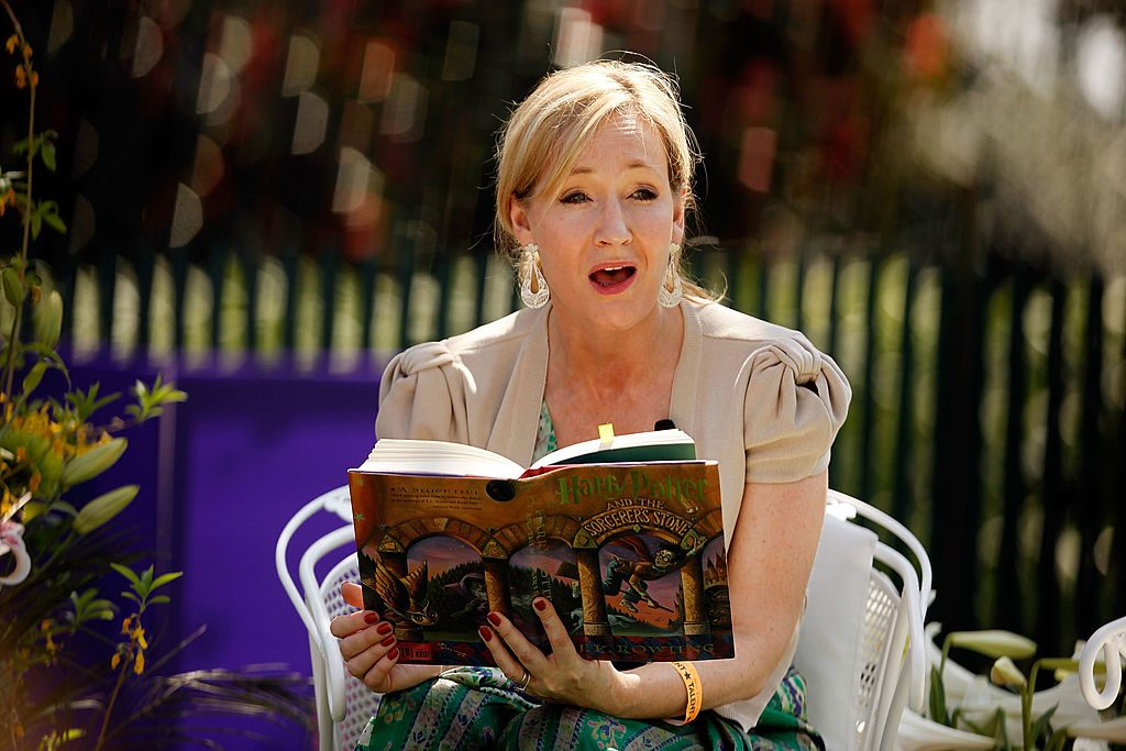 JK Rowling reading Harry Potter on the South Lawn of the White House in 2010