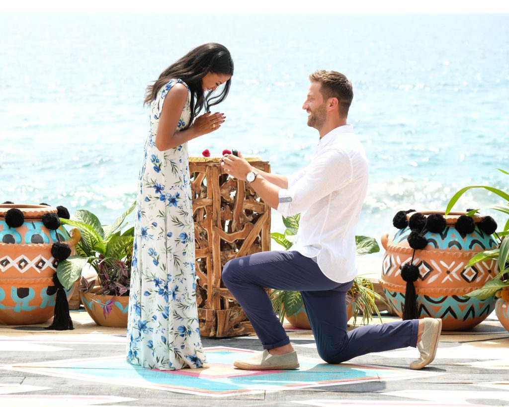 Katie Morton & Chris Bukowski get engaged on 'Bachelor in Paradise'