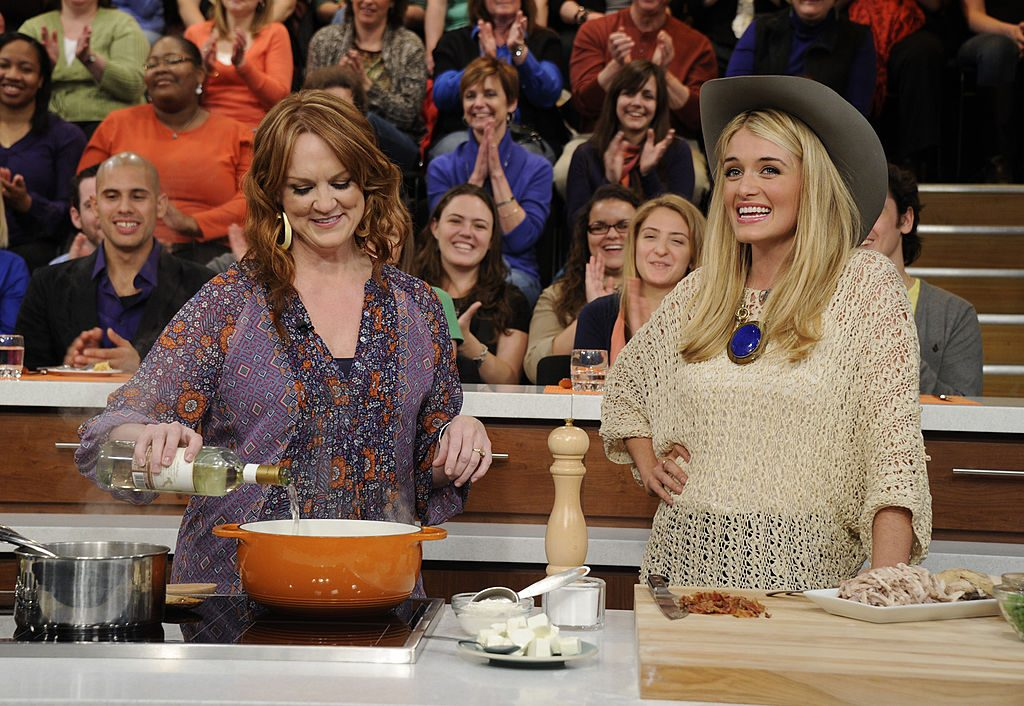 ee Drummond on the set of The Chew with Daphne Oz | Ida Mae Astute/Walt Disney Television via Getty Images
