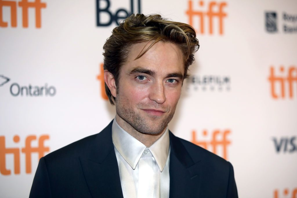 Close up of Robert Pattison at a red carpet event