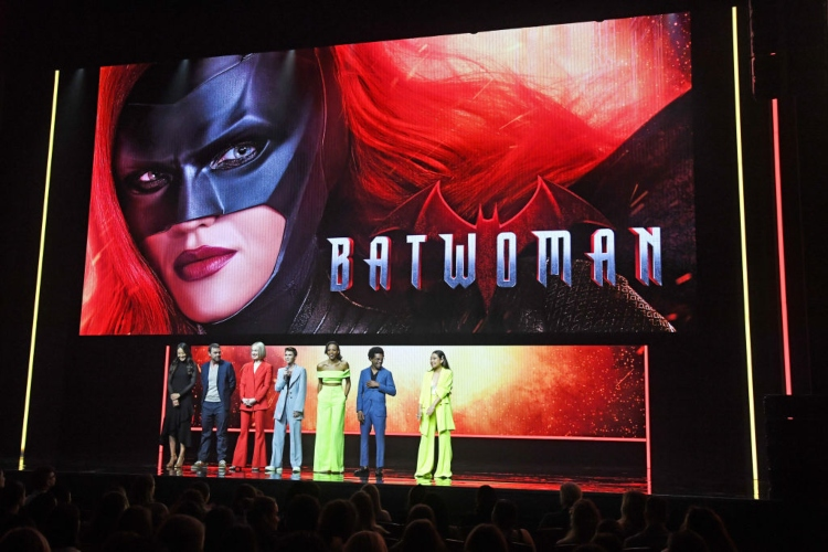 'Batwoman' banner and panel