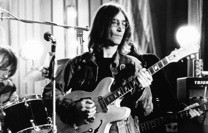 The Only No 1 Beatles Hit That Features A John Lennon Guitar Solo
