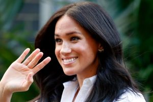 How to Tell If Queen Elizabeth Wants to Get Rid of Meghan Markle