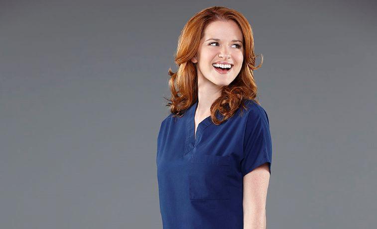 Sarah Drew plays April Kepner