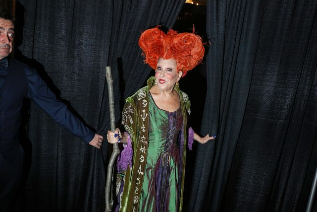 Bette Midler dressed as Winifred Sanderson from 'Hocus Pocus' in 2016