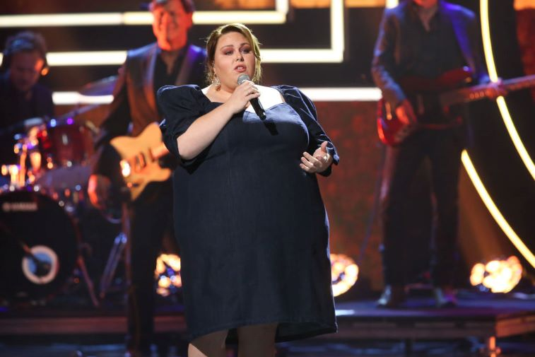 Chrissy Metz singing at the CMT Artists of the Year Awards
