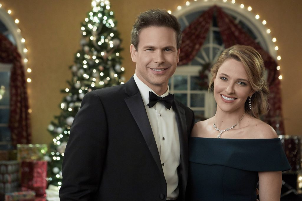 Matthew Davis and Jill Wagner in Christmas Wishes and Mistletoe Kisses