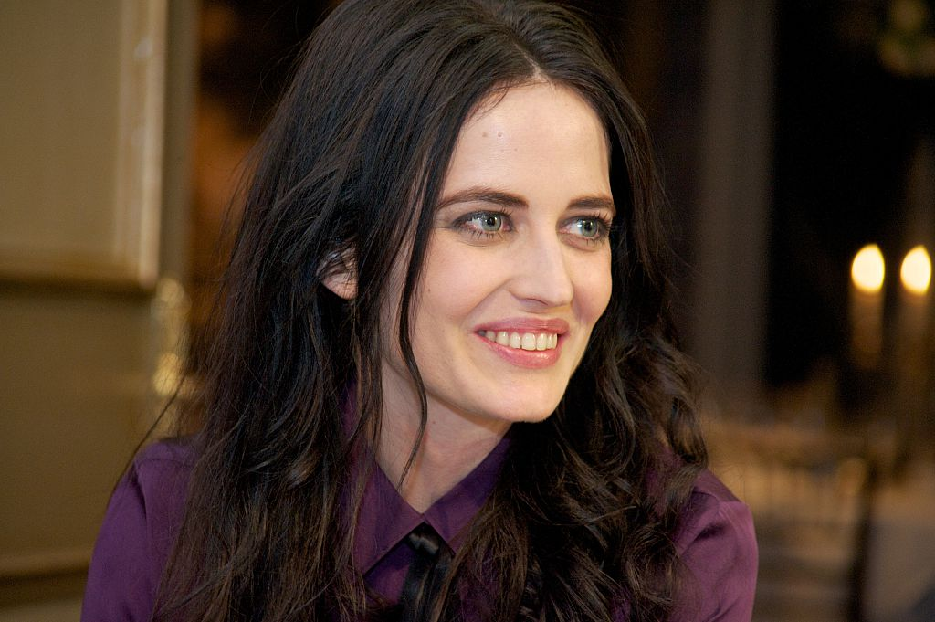 Eva Green on the set of Penny Dreadful