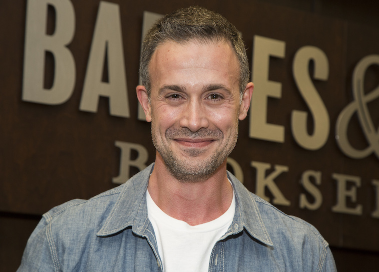 Freddie Prinze, Jr. poses with his new book