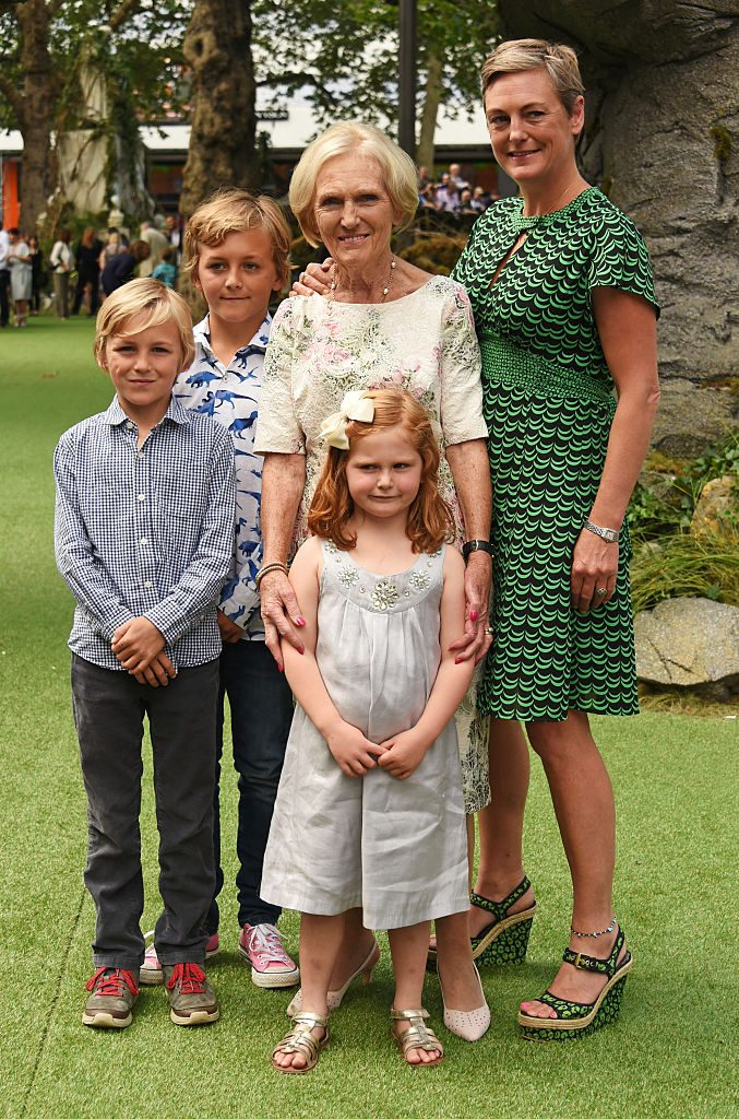 Mary Berry with her daughter and grandchildren