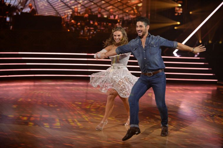 Hannah Brown dancing with Alan Bersten