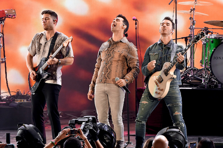 Jonas Brothers set aside onstage