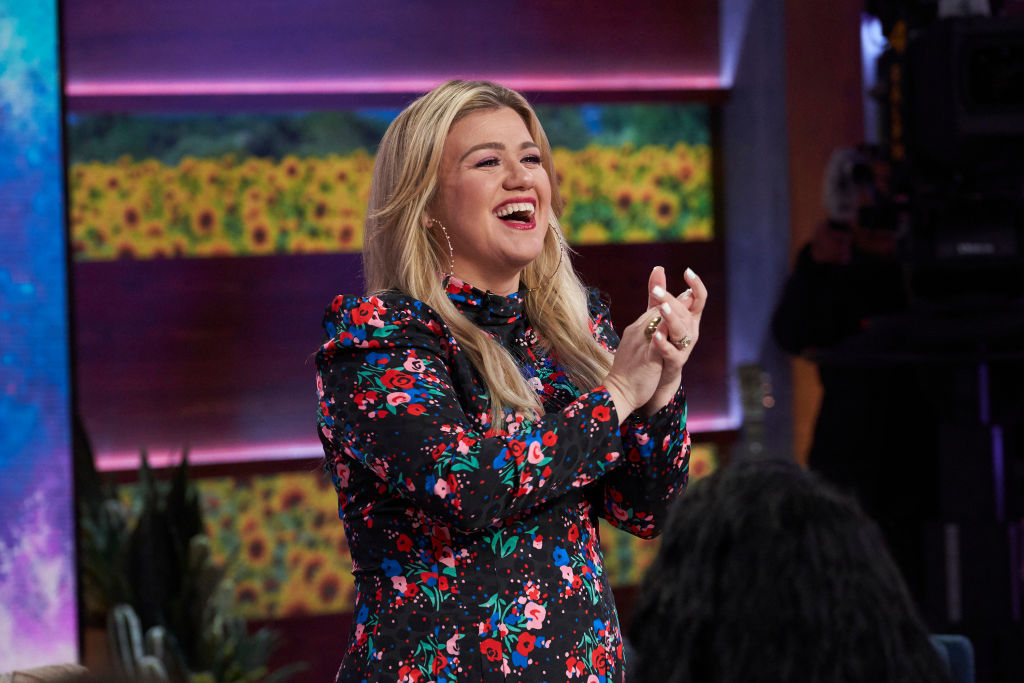 Kelly Clarkson on the set of the Kelly Clarkson show