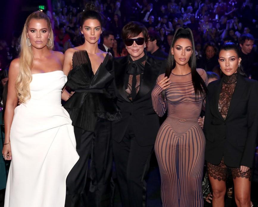 (L-R): Khloe Kardashian, Kendall Jenner, Kris Jenner, Kim Kardashian, and Kourtney Kardashian
