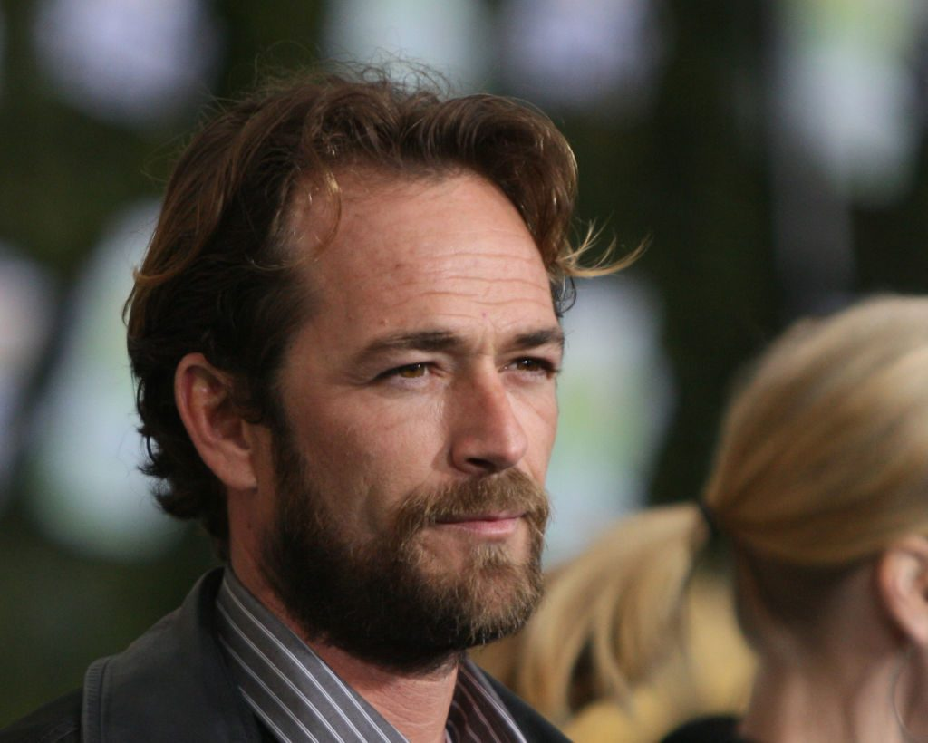 Luke Perry on the red carpet