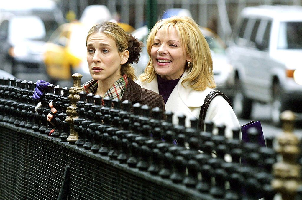 """Sarah Jessica Parker and Kim Cattrall during filming """"Sex and the City"""""""