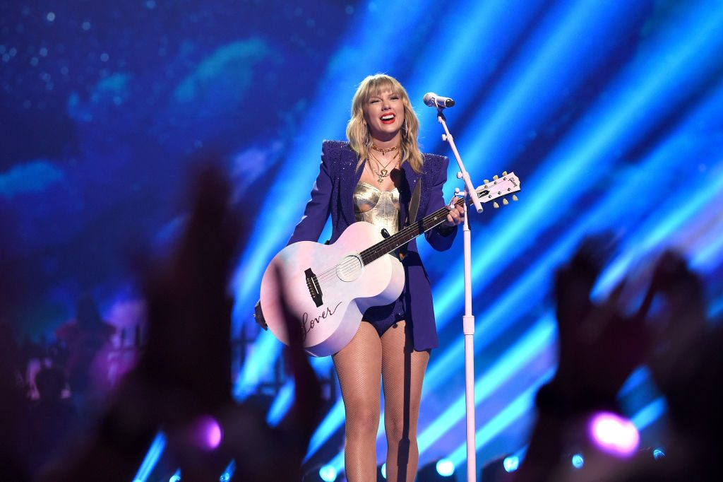 Taylor Swift performs onstage during the 2019 MTV Video Music Awards