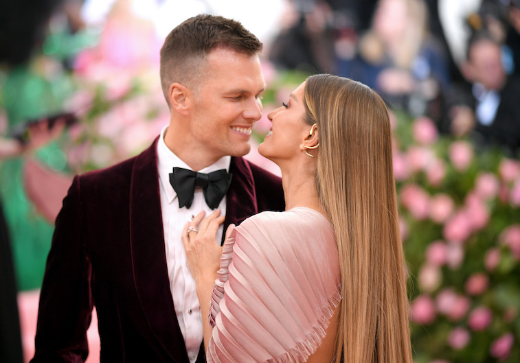 Tom Brady and Gisele Bundchen kissing at the Met Gala