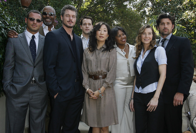 The cast of Grey's Anatomy posing for a photo