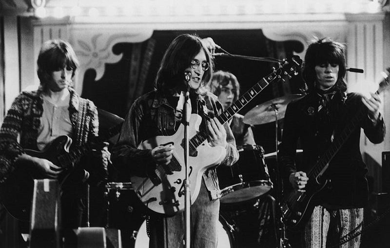 Who John Lennon Said Should Replace George Harrison As The Beatles Lead Guitarist