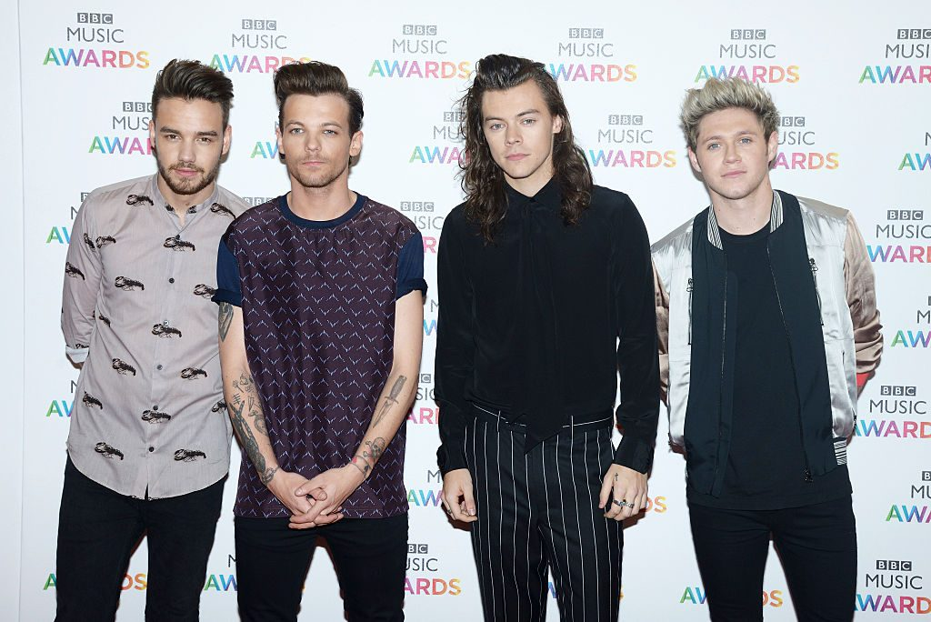 why one direction spilt