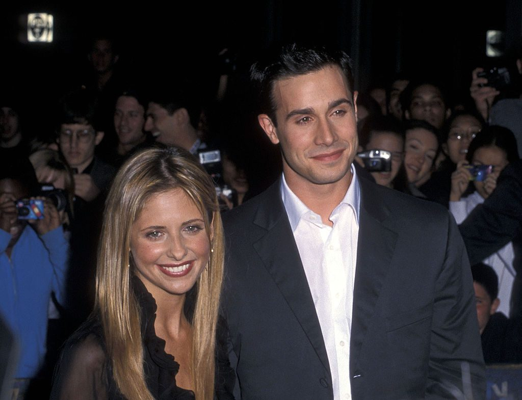 """Sarah Michelle Gellar and Freddie Prinze, Jr. attend the """"Boys and Girls"""" New York City Premiere on June 13, 2000 at Kips Bay Theatre in New York City."""