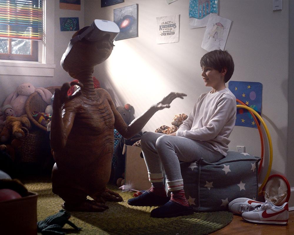 E.T. and Oculus