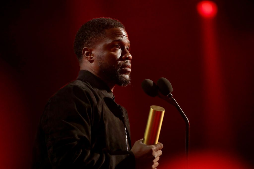 Kevin Hart speaks about his car crash at the People's Choice Awards