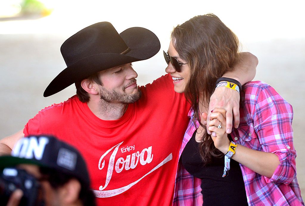 The Real Reason Ashton Kutcher and Mila Kunis Refuse to Give Their Kids Christmas Presents - Showbiz Cheat Sheet