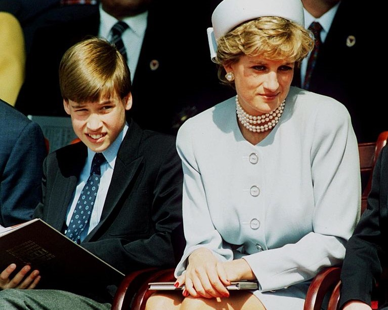 The 1 Thing Queen Elizabeth Ii Took From Princess Diana That