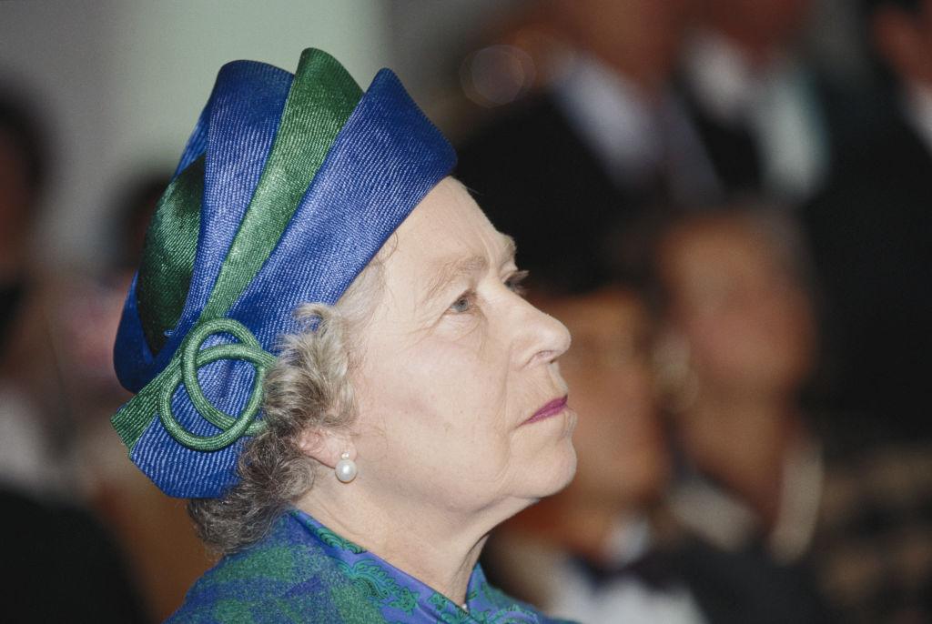 Queen Elizabeth 1992