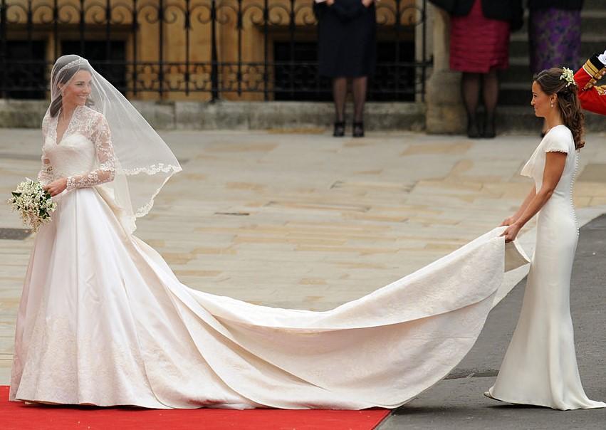 Royal wedding of Kate Middleton with sister Pippa Middleton