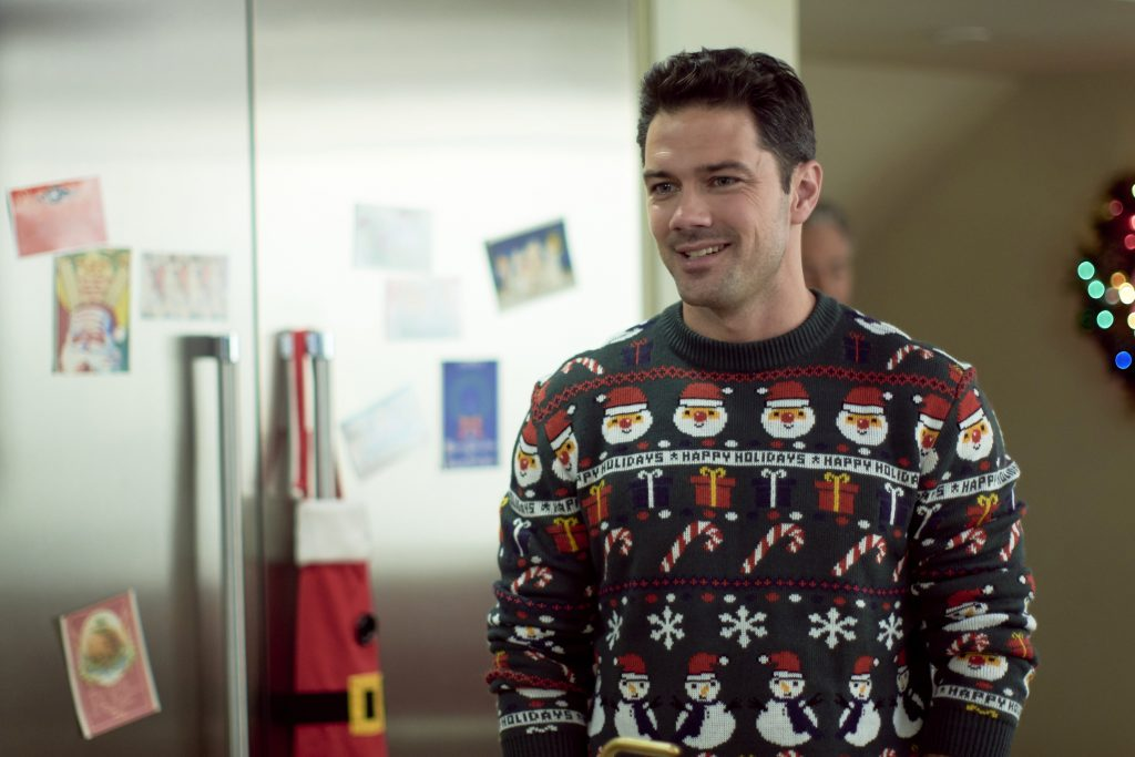 Ryan Paevey in Christmas at the Plaza