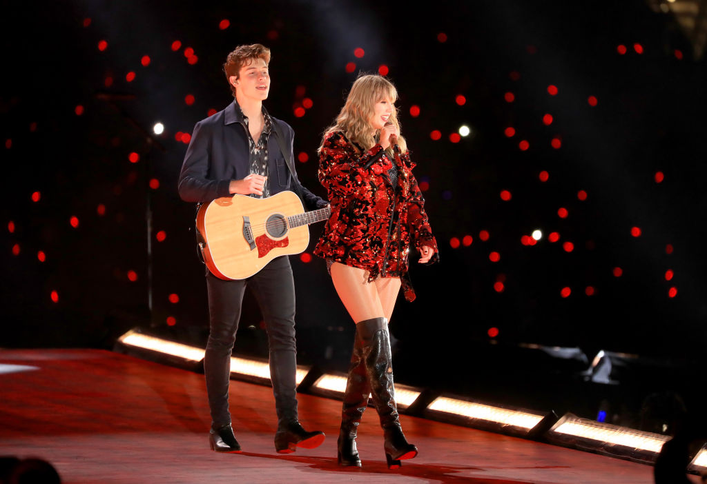 Taylor Swift Works With Shawn Mendes To Help 39 Lover 39 To Remix