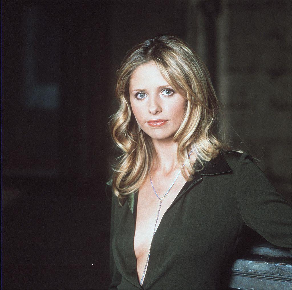 Sarah Michelle Gellar poses for a 'Buffy The Vampire Slayer' promo shoot.