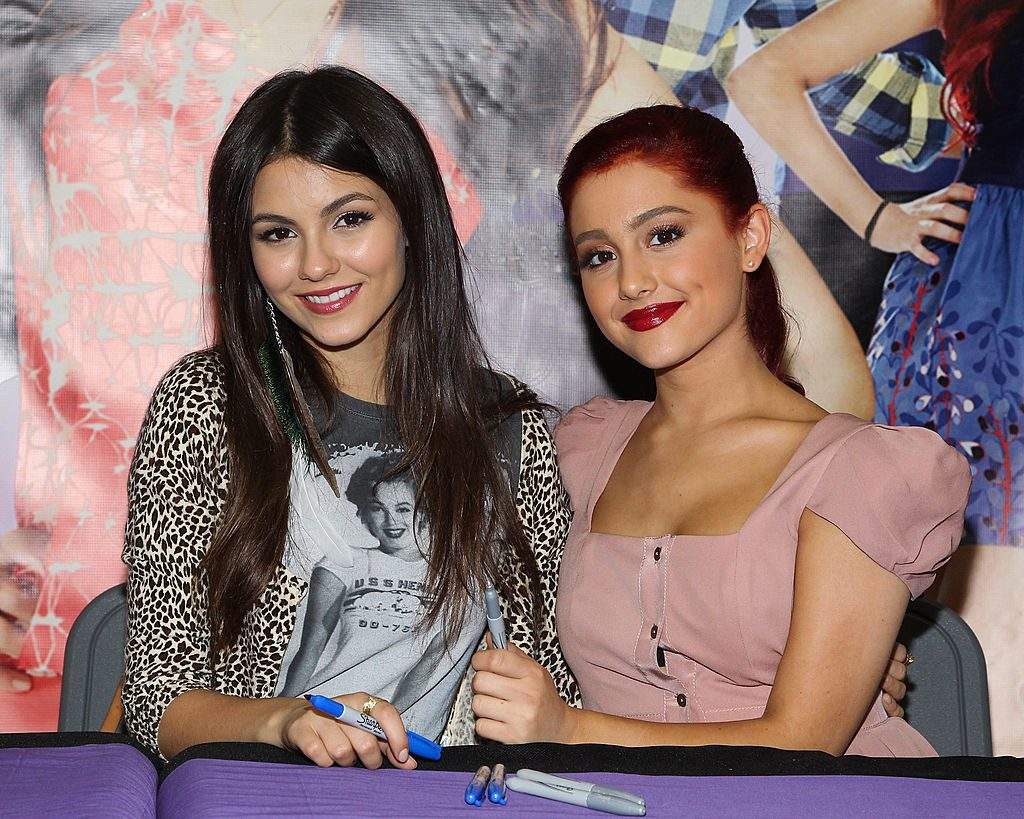 Victoria Justice (L) and Ariana Grande of 'Victorious'